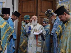 Фото: Фоторепортаж. Патріарх освятив храм Різдва Богородиці у Полтаві