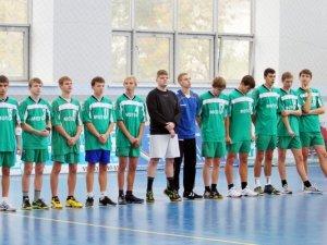 Фото: У Полтаві розпочався молодіжний гандбольний турнір (+фото)