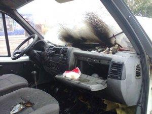 Фото: Під Полтавою на ходу загорілася «ГАЗель» (+фото)