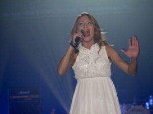 На благодійному концерті у Полтаві зірки презентували нові пісні (+ відео)