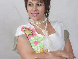 Полтавська співачка хотіла бути фігуристкою, а стала заслуженою артисткою України