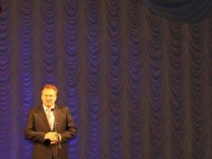 Фото: На сцені полтавського театру виступали люди з психічними відхиленнями (+ фото)