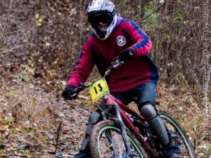 Фото: Фото. У Полтаві велогонщики місили грязюку та закривали велосезон 2013 року