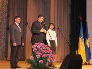 Фото: У Полтаві привітали соцпрацівників концертом та відзнаками (фото)