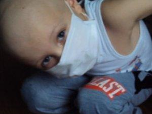 Фото: Маленький полтавець потребує допомоги на лікування