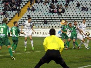 Фото: Як полтавські та львівські футболісти поділили очки. Фотоогляд