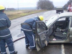 Фото: ДТП на Полтавщині: поблизу Нових Санжар в аварії постраждало три людини (+карта)