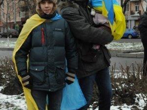 Фото: Євромайдан у Полтаві триває. Фоторепортаж