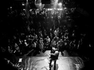 """Фото: Соліст гурту """"Мотор'ролла"""" пророкував Полтаві звання рок-н-рольної столиці України"""