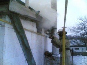 Фото: Пожежа на Полтавщині: в Семенівці через несправній димар зайнялася кухня