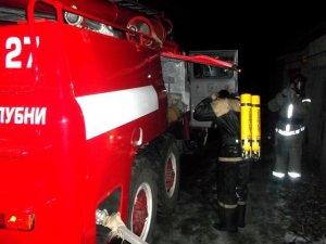 Фото: За кілька годин до Нового року в Лубнах від вогню рятували гаражі