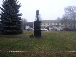 Фото: Фото пам'ятника Леніну, якого обезголовили на Полтавщині
