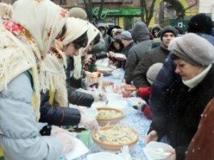 Фото: Новорічні вечорниці у Полтаві: з'їли близько 200 кілограмів вареників