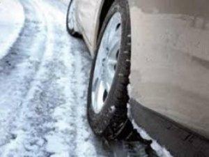 Фото: Полтавські даішники закликають водіїв бути обережними через погоду