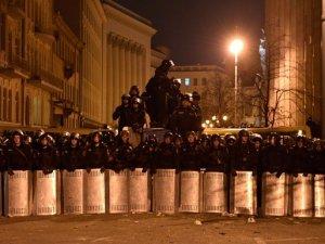 Фото: Чого чекати, якщо в Україні введуть надзвичайний стан