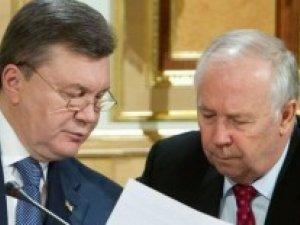 Фото: Віктор Янукович запропонував Рибаку розглянути ситуацію у країні на позачерговій сесії парламенту