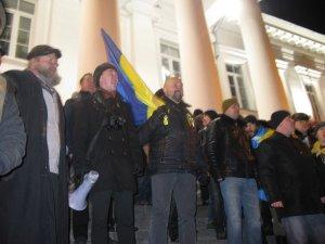 Фото: Штурм Полтавської облдержадміністрації, якого не було. Фоторепортаж