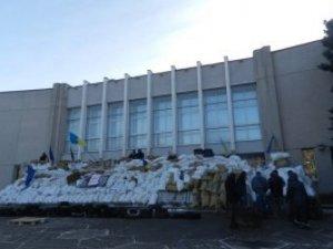 Фото: У Полтаві опозиція розповіла, коли  мітингувальники звільнять приміщення облради