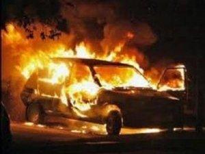 Фото: Пожежа на Полтавщині: у Машівці згорів автомобіль