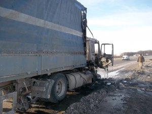 Фото: У Лубенському районі загорілася вантажівка (фото)