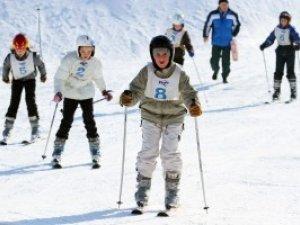 Фото: На Полтавщині в Диканському районі школярів навчали гірськолижному спорту