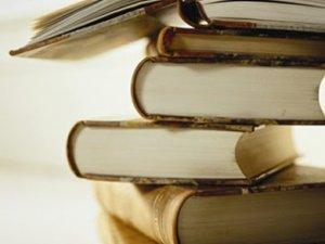 """Фото: """"Вихідні з книгою"""": читачі """"Кола"""" рекомендують Дашвар і Коельйо"""