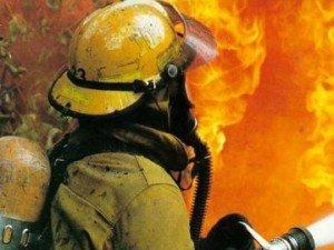Фото: У Полтаві сталася пожежа на складі Партії регіонів
