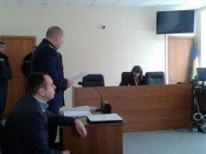 Фото: Суд у Полтаві постановив виселити Євромайдан із обласної ради