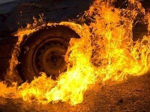 Фото: На Полтавщині уночі згоріло два автомобіля