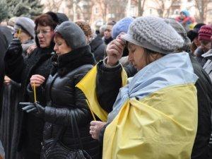 Фото: Пам'ять загиблих на Майдані вшанували у Полтаві (фото)