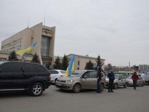 Фото: Полтавський Автомайдан навідав УДАІ та УМВС: домовились про спільні патрулювання (+відео)