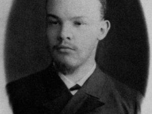 Фото: Ленін вчив людей письменності, будував НЕП та… знищував десятки тисяч «ворогів революції»