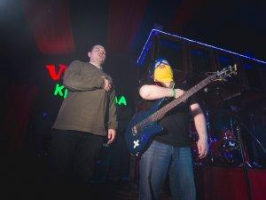 Фото: У Полтаві «Рок-Удар» був захоплений «харківськими екстремістами» та співав гімн України