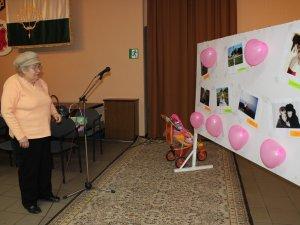 Фото: Для полтавських мам напередодні 8 Березня влаштували фотовиставку та концерт