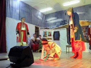 Фото: Вихованці полтавського політехнічного коледжу стали акторами Шевченкового твору «Назар Стодоля» (фото)