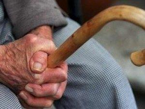 Фото: Громадська рада просить повідомляти про випадки зневажливого ставлення до літніх людей у Полтаві