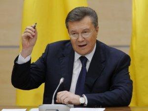 Фото: Відео. Друга анонсована прес-конференція Януковича в Ростові-на-Дону відбулась без питань від журналістів