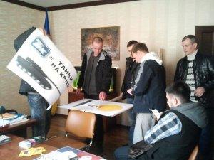 Фото: Полтавський Автомайдан пікетував російські АЗС (фото)