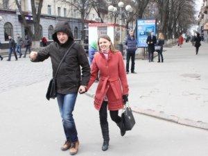 Фото: Полтавці пікетували російський банк в центрі міста (фото)