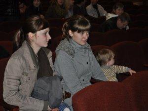 """Фото: Театр ляльок у Полтаві підтримав акцію """"Єдина Україна"""""""