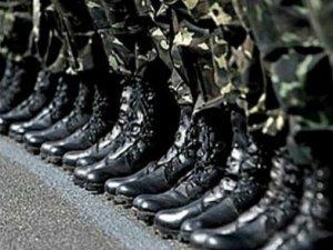 Фото: До армії мобілізують насамперед тих, хто служив