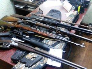 Фото: Полтавці здали 54 одиниць нелегальної зброї
