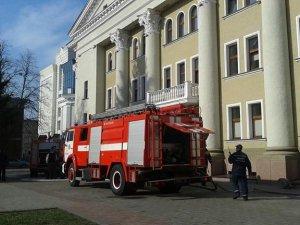 Фото: У Полтаві загорівся театр Гоголя