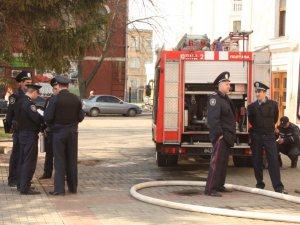 Фоторепортаж з пожежі у полтавському театрі Гоголя