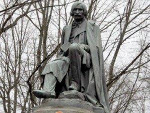 Фото: 1 квітня – 205 років Гоголю: чого чекати в Полтаві