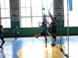 """Фото: У Полтаві з урочистостями відкрили волейбольний турнір """"Наталка Полтавка"""""""