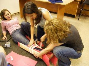 У Полтаві безкоштовно вчать надавати першу допомогу, вже 300 студентів пройшли навчання
