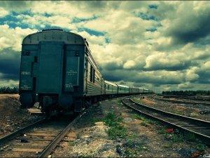 Фото: Призупинили попередній продаж квитків на потяги до Криму