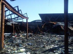 Фото: Майже рік минув, а наслідки масштабних пожеж на Центральному ринку Полтави досі не прибрали