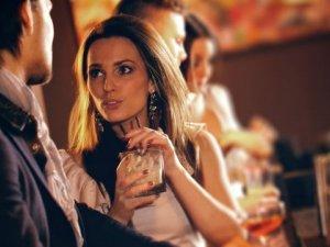 Фото: Жіночі чари спілкування: як привернути увагу чоловіка